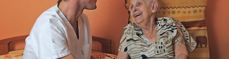 Curso gratuito Auxiliar de Enfermería en Geriatría (Online)
