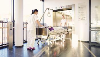 Curso Gratuito Curso Superior Universitario de Celador Sanitario (Titulación Universitaria + 8 Créditos ECTS)