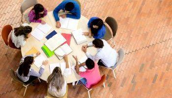 Curso Gratuito Dirección y Gestión de Centros Educativos (Titulación Universitaria con 4 Créditos ECTS)
