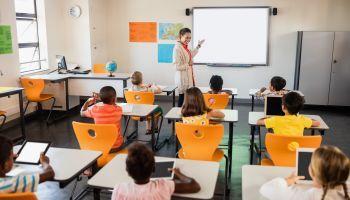 Curso Gratuito Curso Universitario Homologado de Integración de las TIC en Centros Bilingües (Titulación Universitaria Homologada + 4 Créditos ECTS)
