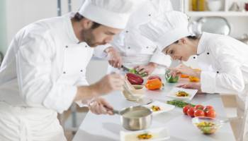 Curso Gratuito Master en Artes Culinarias y Dirección de Cocina + Titulación Universitaria