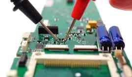 Curso Gratuito Máster en Montaje y Mantenimiento de Equipos Eléctricos y Electrónicos + Titulación Universitaria en Prevención de Riesgos y Gestión Medioambiental en las Operaciones Auxiliares de Montaje y Mantenimiento de Equipos Eléctricos y Electrónicos