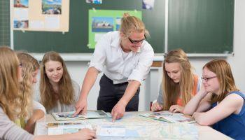 Curso Gratuito Master en Pedagogía Montessori. Especialidad Secundaria + Titulación Universitaria