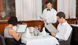 Curso Gratuito Máster en Actividades Básicas de Restaurante y Bar + Titulación Universitaria en Aplicación de Normas y Condiciones Higiénico-Sanitarias en Restauración