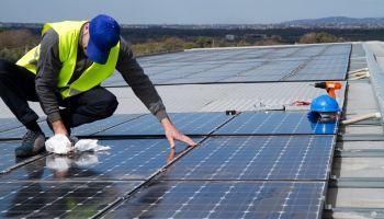 Curso Gratuito Curso Universitario de Montaje Eléctrico y Electrónico en Instalaciones Solares Fotovoltaicas (Titulación Universitaria + 2 ECTS)