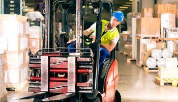 Curso Gratuito Curso de Prevención de Riesgos Laborales en el Puesto de Trabajo con Carretillas de Motor Tracción