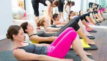 Curso Gratuito Curso Superior en Pilates y Rehabilitación: Síndromes y Artoplasias + Especialización en Monitor de Pilates (Doble Titulación + 8 Créditos ECTS)